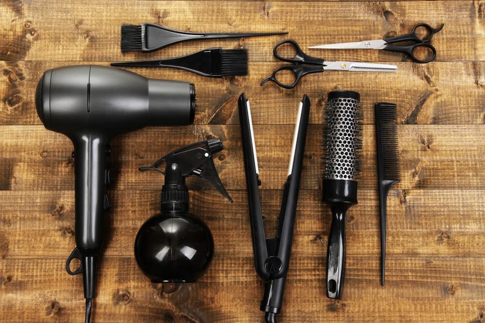 【2021年最新版】美容師免許を活かした働き方とは?活躍の幅が広がる職業や業務形態も紹介 | キレイビズメディア